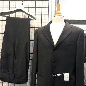 Men's Charcoal Gray Armani Collezioni Suit